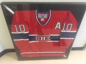 Framed and Autographed NHL Jerseys Guy Lafleur, Thomas Steen