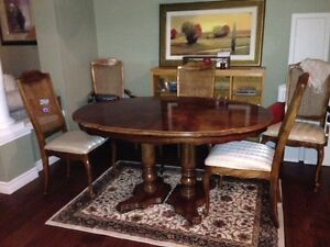Classic dining table with chairs Kitchener / Waterloo Kitchener Area image 1