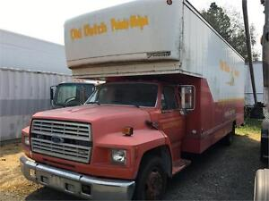 1991 Ford F700 with 22' Moving Van Body