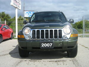 2007 Jeep Liberty Limited Edition SUV, Crossover 4X4 London Ontario image 2