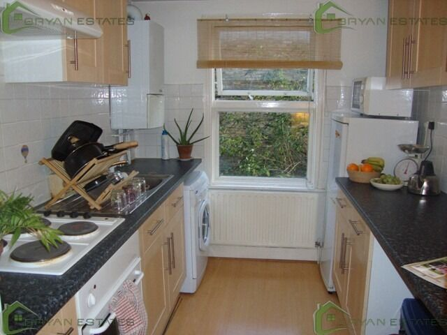 PERIOD 1 BEDROOM LOCATED MINUTES FROM ANGEL
