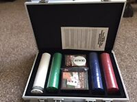 CHRISTMAS PRESENT - CARDINAL'S TEXAS HOLD 'EM TOURNAMENT POKER CARDS & 200 CHIPS IN ALUMINIUM CASE