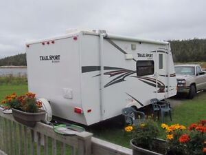 2011 Trail sport Hybrid Trailer - MINT CONDITION