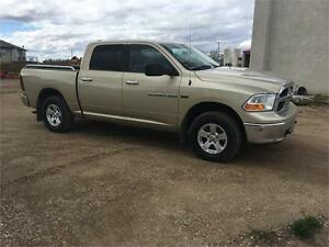 2011 Ram 1500 SLT PST paid Warranty and Financing  New Tires