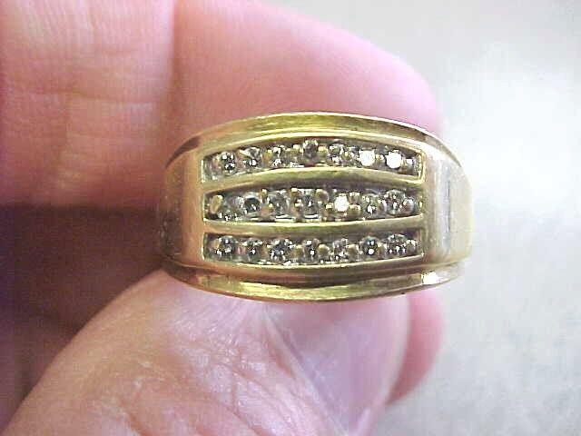 Mens 10k Gold & Diamond Ring Size 10   Make Offer