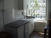 BAYSWATER/NOTTING HILL. STUDIO FOR A SINGLE PERSON £185 BEST LOCATION IN CENTRAL LONDON