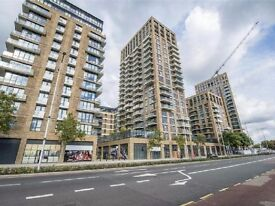 New and Well Loved 3 Bed Penthouse Flat in Royal Arsenal SE18, Looking for Family or Professional