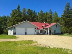 Drayton Valley 160 Acres with Custom Home.....Retire Here...