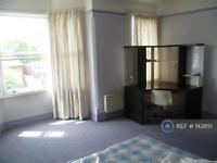 1 bedroom in Victoria Road, London, EN4