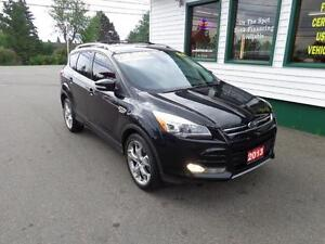 2013 Ford Escape Titanium w/ self park!