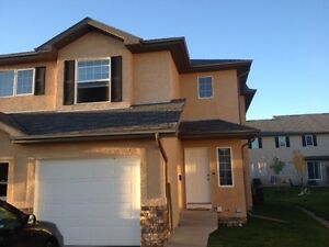 3 BdRm 2-Story Townhouse for rent In Lakewood