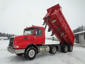 2006 VOLVO VHD TRI-AXLE DUMP TRUCK, 20'FT STEEL BOX Kitchener / Waterloo Kitchener Area image 11