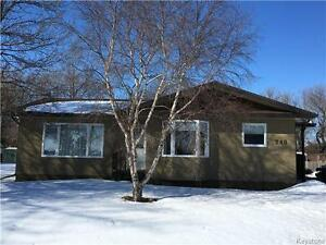 Open concept 4 BR home with huge bright basement in Shoal Lake!