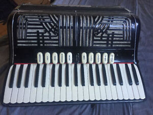Vardes Accordion