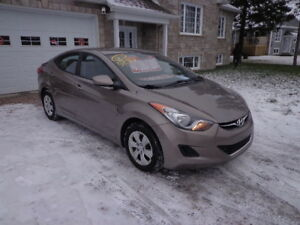 2012 Hyundai Elantra berline automatique 139 000 km