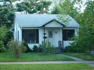 share a 3 bedroom bungalow with 2 others
