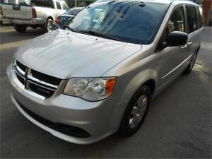 2011 Dodge Grand Caravan SE stow n go