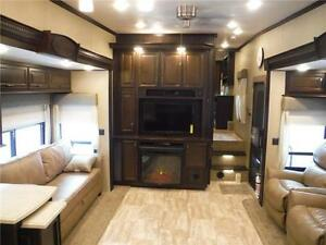 2016 Columbus 340RK Luxury Rear Kitchen 5th Wheel - 3 Slideouts Stratford Kitchener Area image 10