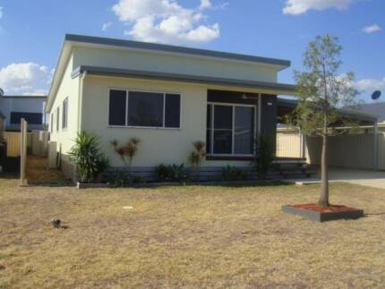 FULLY FURNISHED HOUSE IN WANDOAN  - GREAT FOR FAMILY OR WORKERS