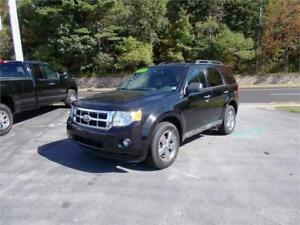 2010 FORD ESCAPE XLT 4WD...LOADED! LEATHER INTERIOR & BLUETOOTH!