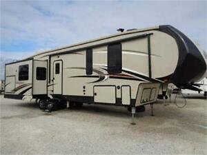 2018 Forest River Sandpiper 372LOK with loft