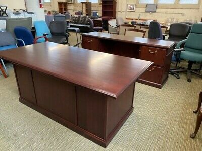 6' Executive Desk & Credenza Set by Steelcase Office Furniture in Mahogany Wood