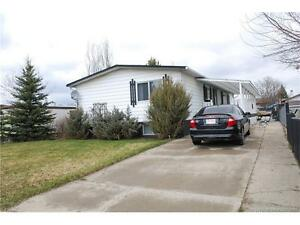 6 bedroom Bungalow for sale in Rocky Mountain House