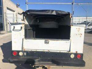2008 Ford F-350 XL - Regular Cab - 4x4 -Service Utility Box