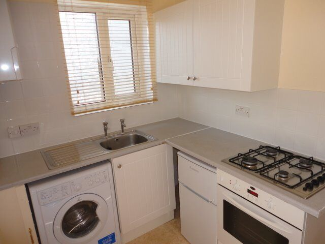 Cosy 1 bed flat to rent in Selhurst. Furnished or Part-Furnished.