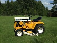 Cub Cadet 106 Lawn and Garden Tractor 42'' Deck,,1970 Collector
