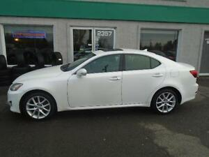 Lexus IS 250 AWD  2011,Impeccable!!!