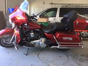 2012 Harley Davidson Ultra Classic - low kms!
