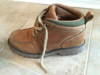 Men's size 9 Timberland hiking boots
