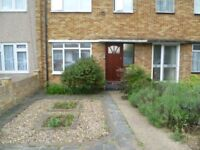 Modern 3 Bed house with large garden in Greenford