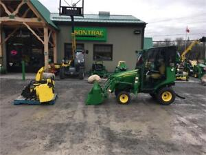 2014 JOHN DEERE 1023E  WITH LOADER ,BLOWER AND CABIN