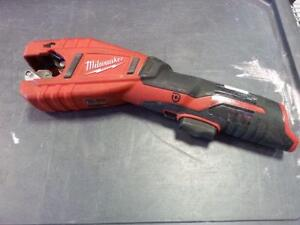 Milwaukee Copper Tubing Cutter. We sell used tools. (#37661)