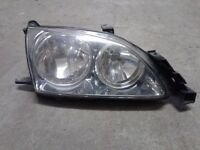 Toyota Avensis mk2 Headlights 01 - 03