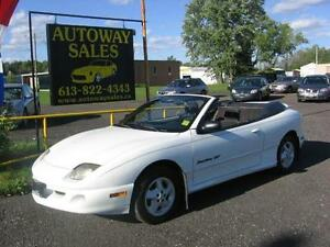 1999 Pontiac sunfire convertible GT ** Only 124 KM**