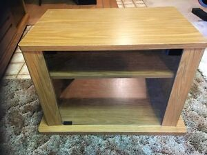 TV STAND $20