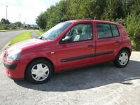RENAULT CLIO 1.4 EXPRESSION 16V 5d AUTO 98 BHP (red) 2004