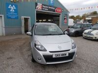 RENAULT CLIO 1.1 DYNAMIQUE TOMTOM 16V 3d 75 BHP low mileage ide (silver) 2011