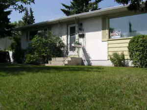 Haysboro 5 Bedroom Home-Perfect for Roommates or Extended Family