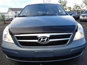 2008 Hyundai Entourage V6 Minivan, Van