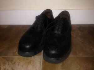 Cambrian - Genuine Leather Steel Shank Shoes - Size 10.5