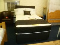 KINGSIZE 4 DRAWER DIVAN BED AND HEADBOARD