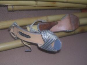 Designer womens shoes / heels in excellent condition North Shore Greater Vancouver Area image 5