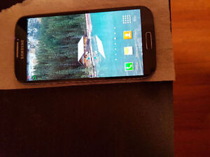 Samsung galaxy S4 mint just $200 with 2 new cases worth $50