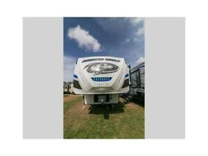 2018 FOREST RIVER ARCTIC WOLF LTD 305M 5th wheel!3slides!$49995!