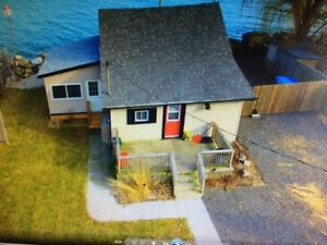 WATERFRONT COTTAGE RENTAL IN LEAMINGTON
