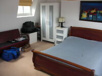 Best 4 bed in Balham, Garden, 1 minute to Tube. Must See!!!!